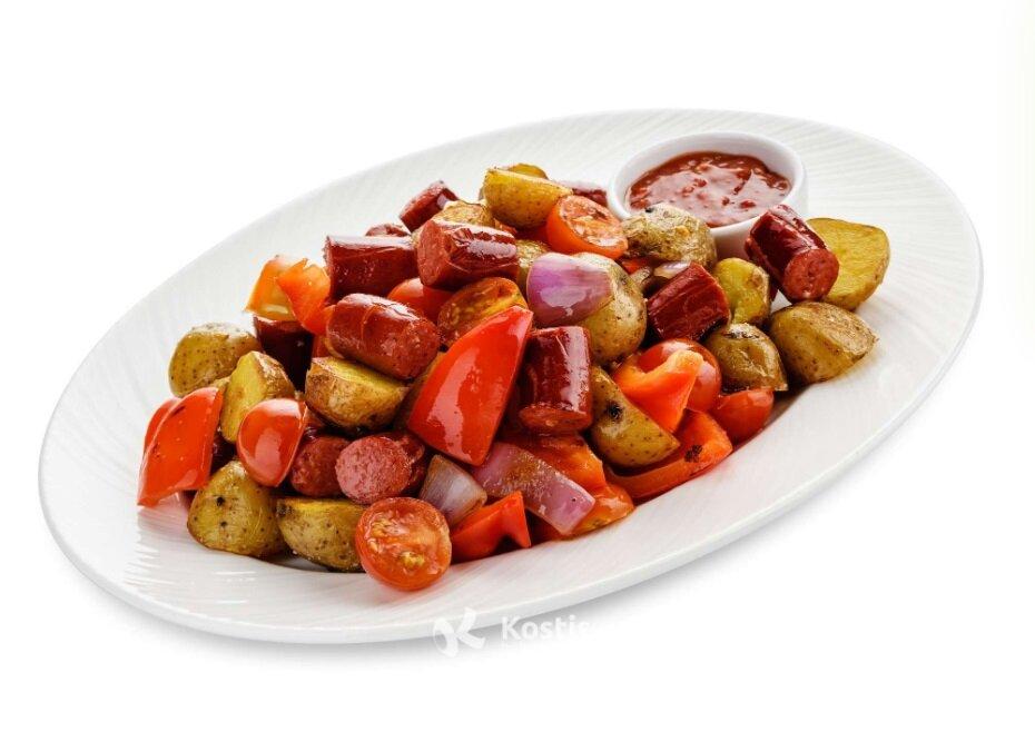 Жаркое из картофеля с охотничьими колбасками